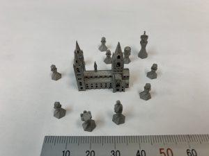ミニチュアの城とチェス