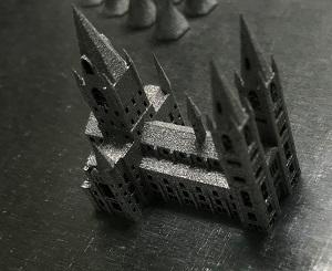 ミニチュアの城(材質:SUS630)